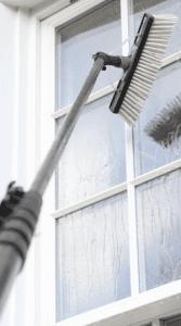 Fenstereinigung mit einen karbon stange und entmineralisiertes wasser nürnberg Erlangen https://preispasst.de.jpeg