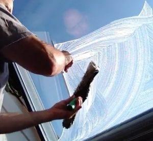 Dachflächenfenster-Fensterputzer-glasreinigung-preispasst.de-Neumarkt-Roth