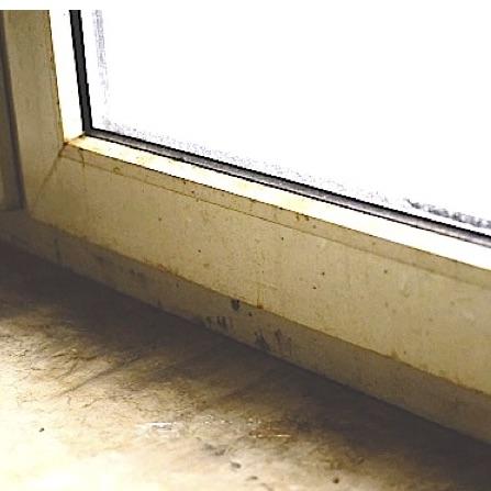 extrim verschmutzung am Fensterrahmen https://preispasst.de/grundreinigung