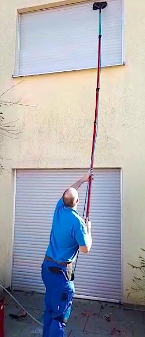Rolladenreinigung Außen Wasserdurchlaufstange https://preispast.de