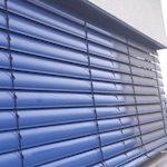 blaue-jalousien-nach-der-reinigung-unsere-dienstleistungen